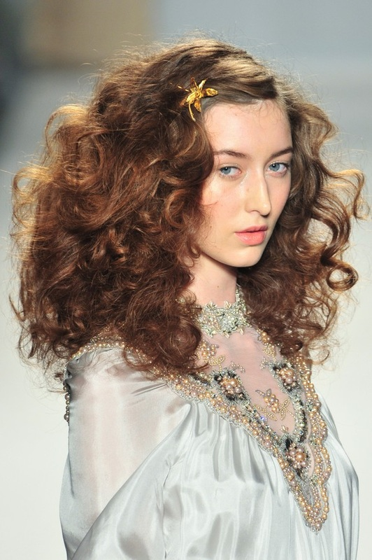 """Hair accessories trends for """"bewitching beauty"""" of 2014"""